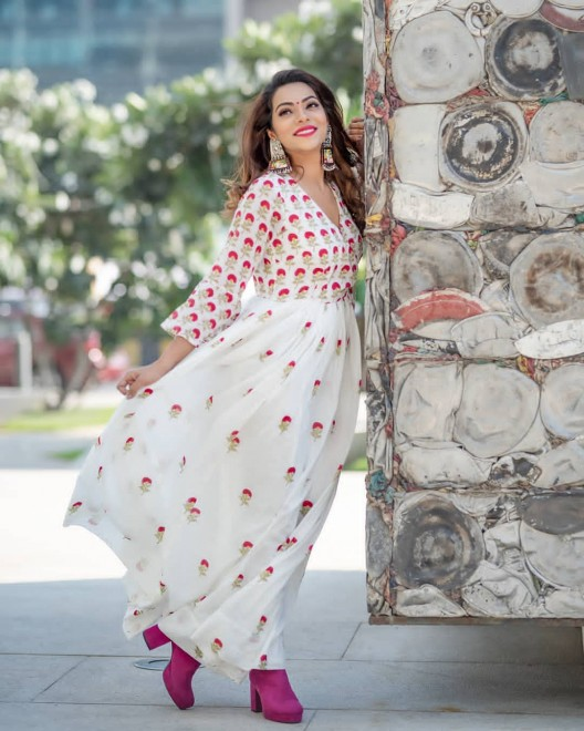 NEW DESIGNER  HEAVY GEORGETTE WITH FULLY EMBROIDERY WORK WHITE COLOR GOWN